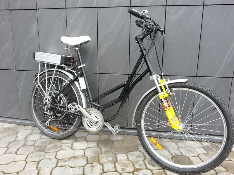 Bike with magic pie 2 motor, 6 fet sensorless controller and LiFePo4 48v 10 Ah battery.