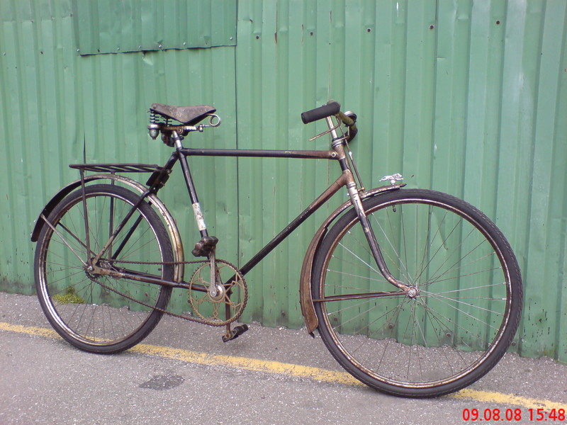 Estonian-made bike Rudon'i. All systems are in working order.