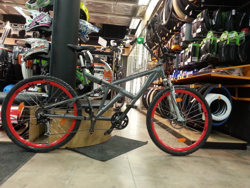 "What do you get when you pair 2 bikes? It's a full suspension 28"" Classicprogear!"