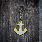 ANCHOR. Yellow with black leather K2 fastening.