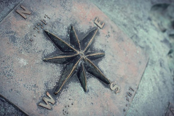 Consultancy image: A copper compass (Credit: ponce_photography @Pixabay