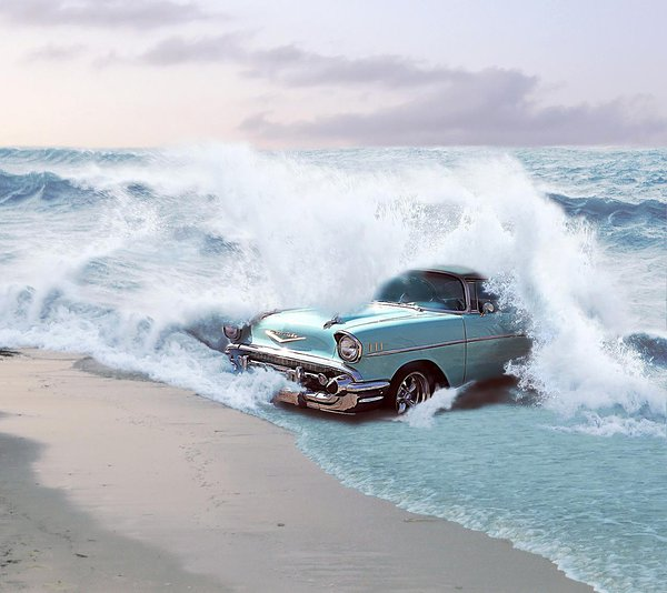 Transcreation image: Chevrolet emerging from the water in a beach (Credit: Engvall @Pixabay)