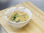 #201 MISO SOUP / SALMON, ROCK GUNNEL (BUTTERFISH), WAKAME, SPRING ONION, SESAME SEEDS / 3.60€