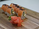 #35 TELLISKIVI / SMOKED SALMON, CREAM CHEESE, CUCUMBER, BLACK SESAME SEEDS / 8.90€