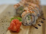 #30 SENSU / EBI, CREAM CHEESE, CUCUMBER, CRABMEAT, UNAGI DRESSING, SESAME SEEDS / 9.10€