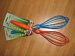 KING Hoff whisks, available in blue and orange colors. Price 2.40 EUR / pcs