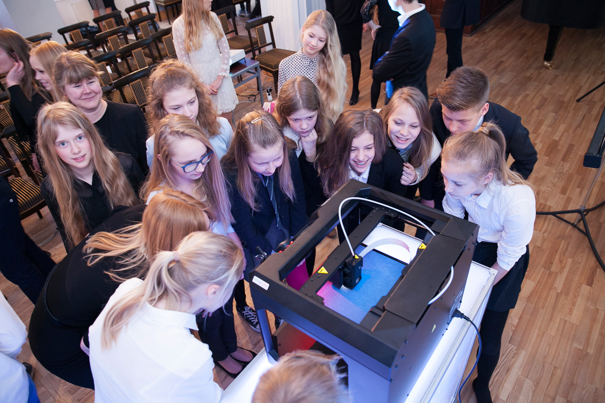 3D Printers for 50 Estonian Schools