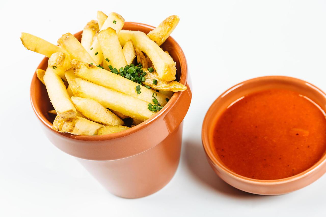 Käsitsi lõigatud friikartulid