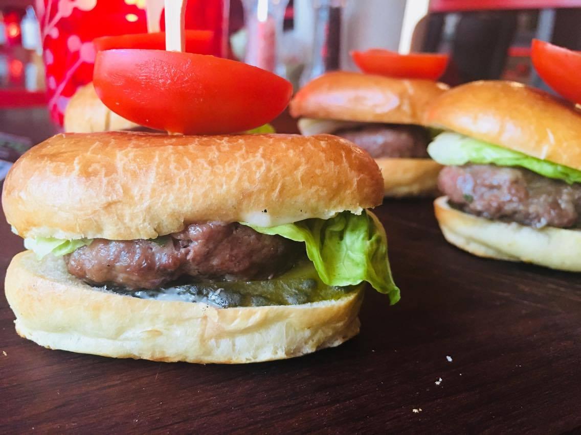 Eesti lihaveise miniburgerid cheddari juustuga (4-tk)