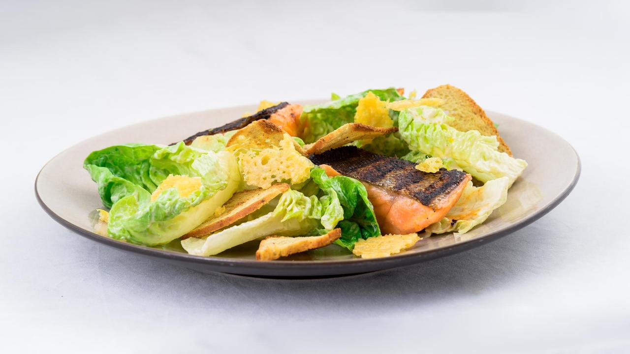 Caesari salat meriforelliga