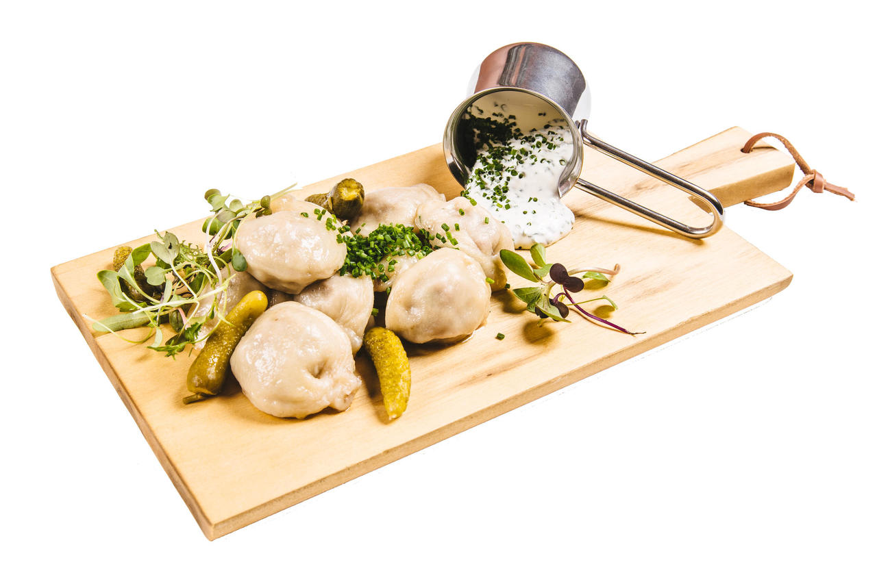 Authentic russian dumplings (pelmeni)