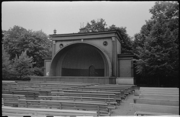 Concert Square in the 1960s. The wooden bandstand was destroyed in the early 1990s. Photo: EHM