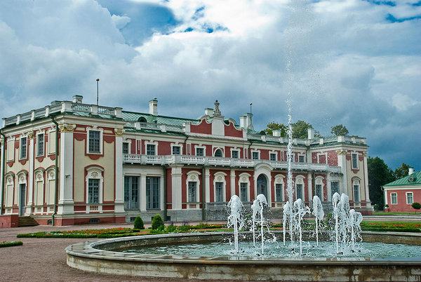Kadriorg Palace and Flower Garden