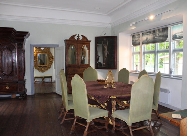 Living room. Peter the Great House Museum. Photo: TCM