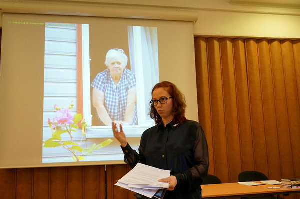 Aija Sakova chairing the foundation meeting of the Ene Mihkelson Society at the Estonian Literary Museum in Tartu (2018).