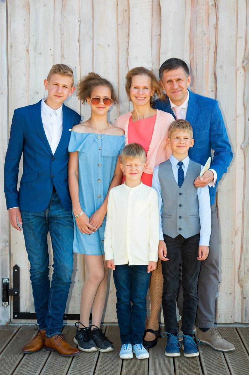 Eeva, Erki and their children in July 2019 at Eeva's brother's wedding