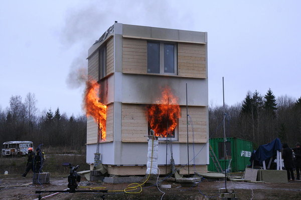 Fire resistance test of a house built of CLT panels was tested in Väike-Maarja