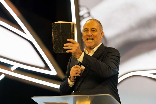 Vanempastor Brian Houston