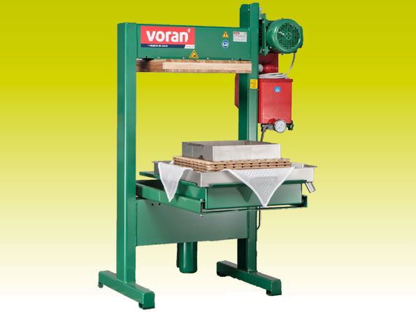Packing presses with sliding trays, Voran