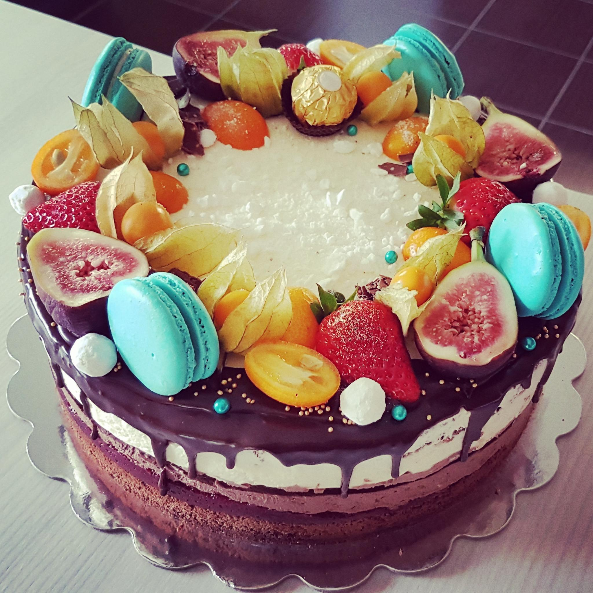 aed0aaebfcc Meie tortide orienteeruvad mõõdud ja kaalud: Näiteks 26cm diameetriga kolme  biskviidikihiga, kohupiima-vahukreemi. marjatäidise ja kreemikattega tort  kaalub ...