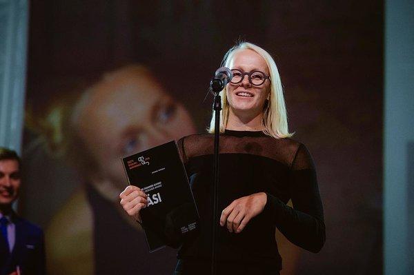 1e7bdecc2e5 Sel aastal tunnustati Johanna Tammsalu lisaks SÄSI auhinnale ka parima  elukeskkondliku tootedisaini preemiaga BRUNO Nörk Racki ...