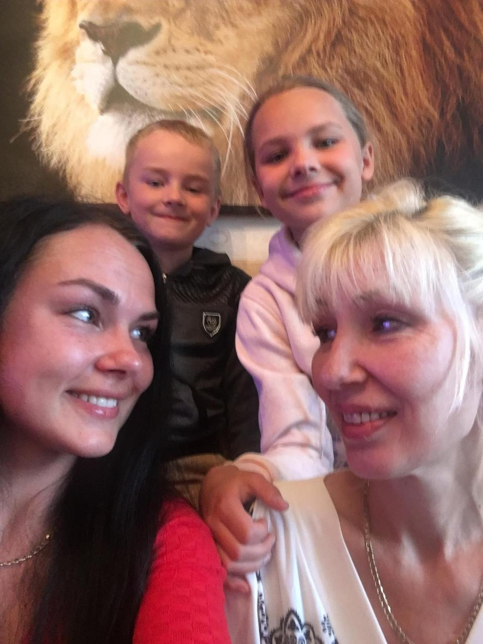 Irene Amur with her daughter Helina and her grandchildren Andri and Janelle