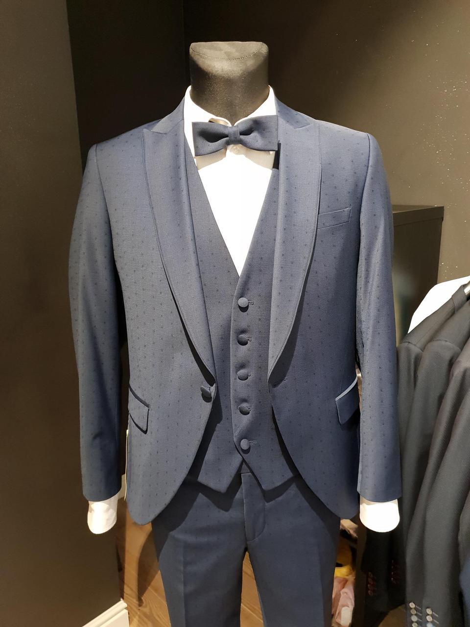 d11bbd46133 Sinine ülikond täppidega — Briver