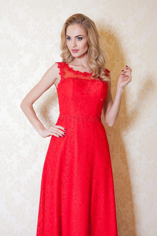 7b69d0c5f42 Üleni pitsist kleit, tagant paeltega reguleeritav.
