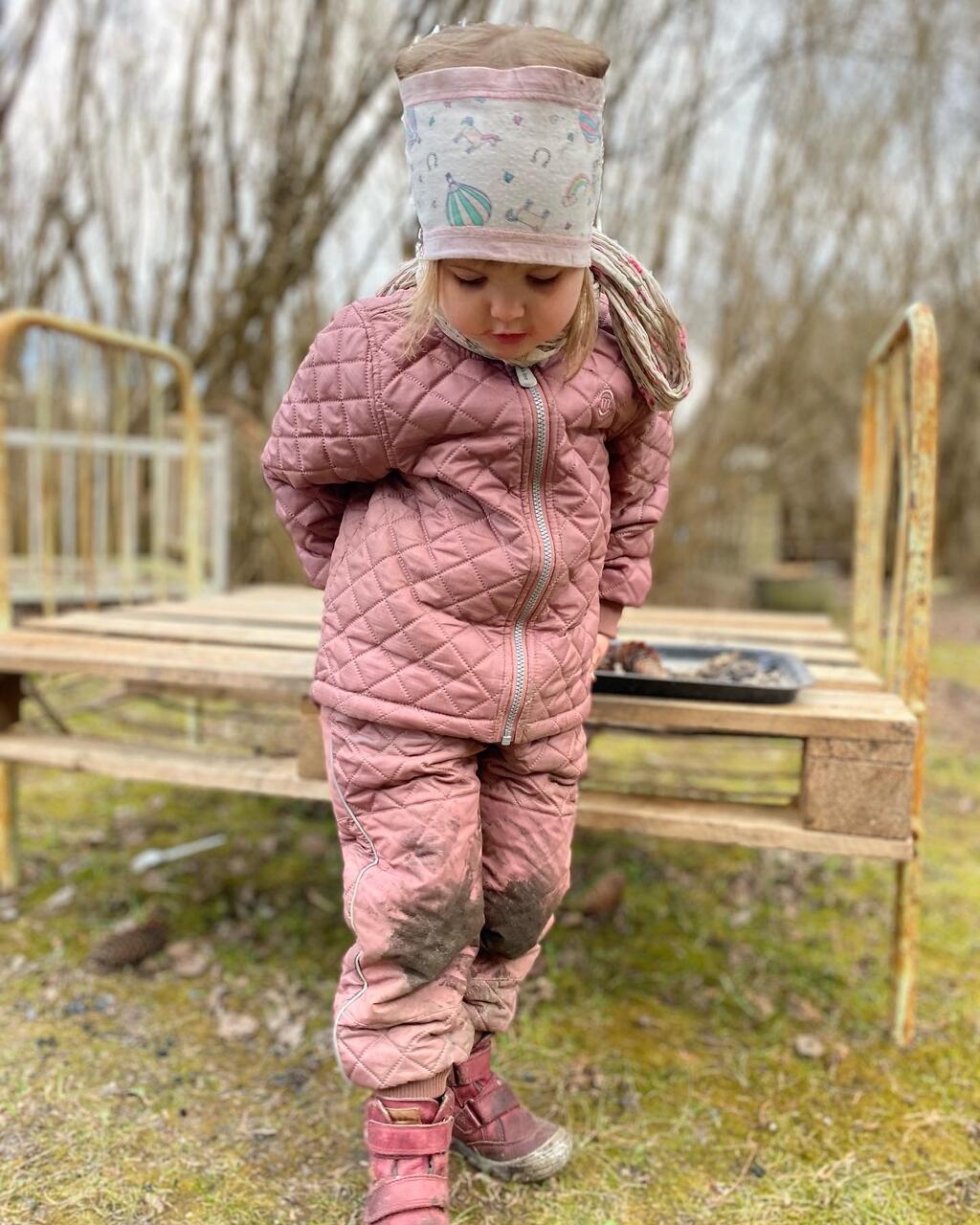 Seljas Mikk-Line Burlwood toonis termoriided, jalas kaltsukast barefootpapud Froddo.