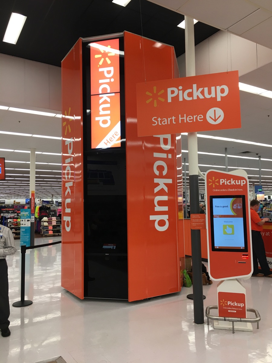 First PackRobot in WalMart — Cleveron