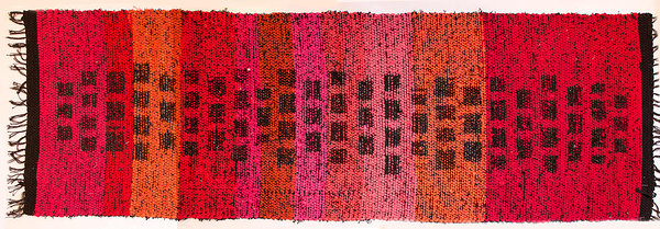 "Terra Mama""Walking on hot coals"" Double-wefted rug    66 x 202 cm / 26 x 80 in"